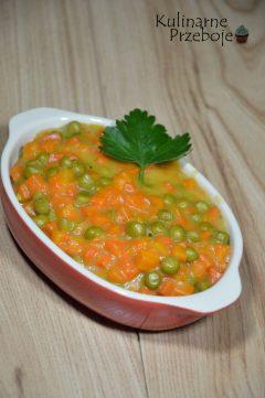 Słodka marchewka z groszkiem do obiadu