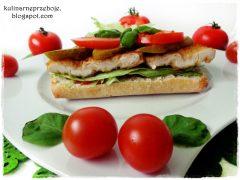 Ciabatta z filetem kurczaka, pomidorem, ogórkiem i sałatą lodową