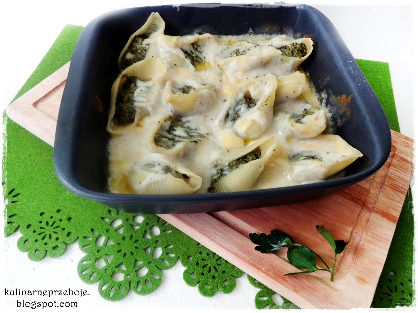 Conchiglioni (muszle) ze szpinakiem i fetą w sosie beszamelowym