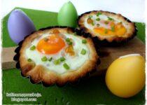 Jajka zapiekane w cieście francuskim – pomysłowe śniadanie