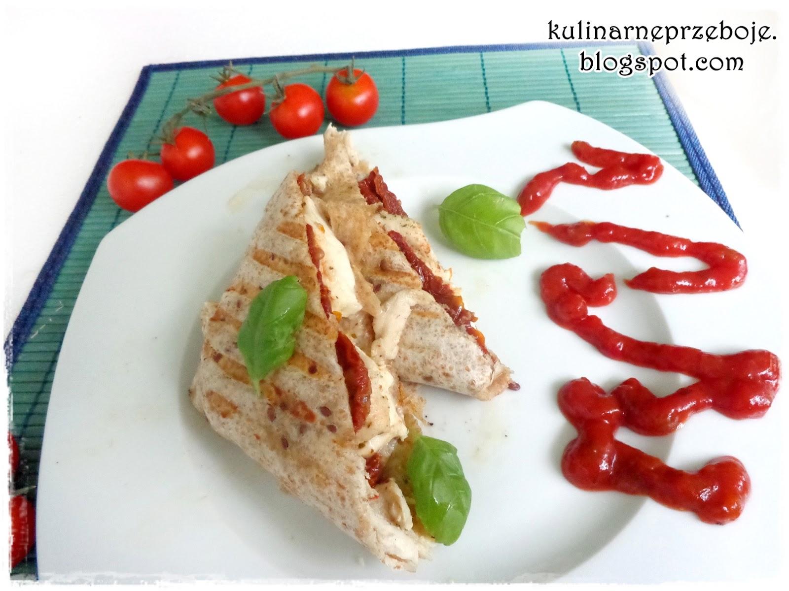 Tortilla z mozzarellą, kurczakiem i suszonymi pomidorami