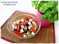 Oryginalna sałatka grecka (chłopska) z fetą