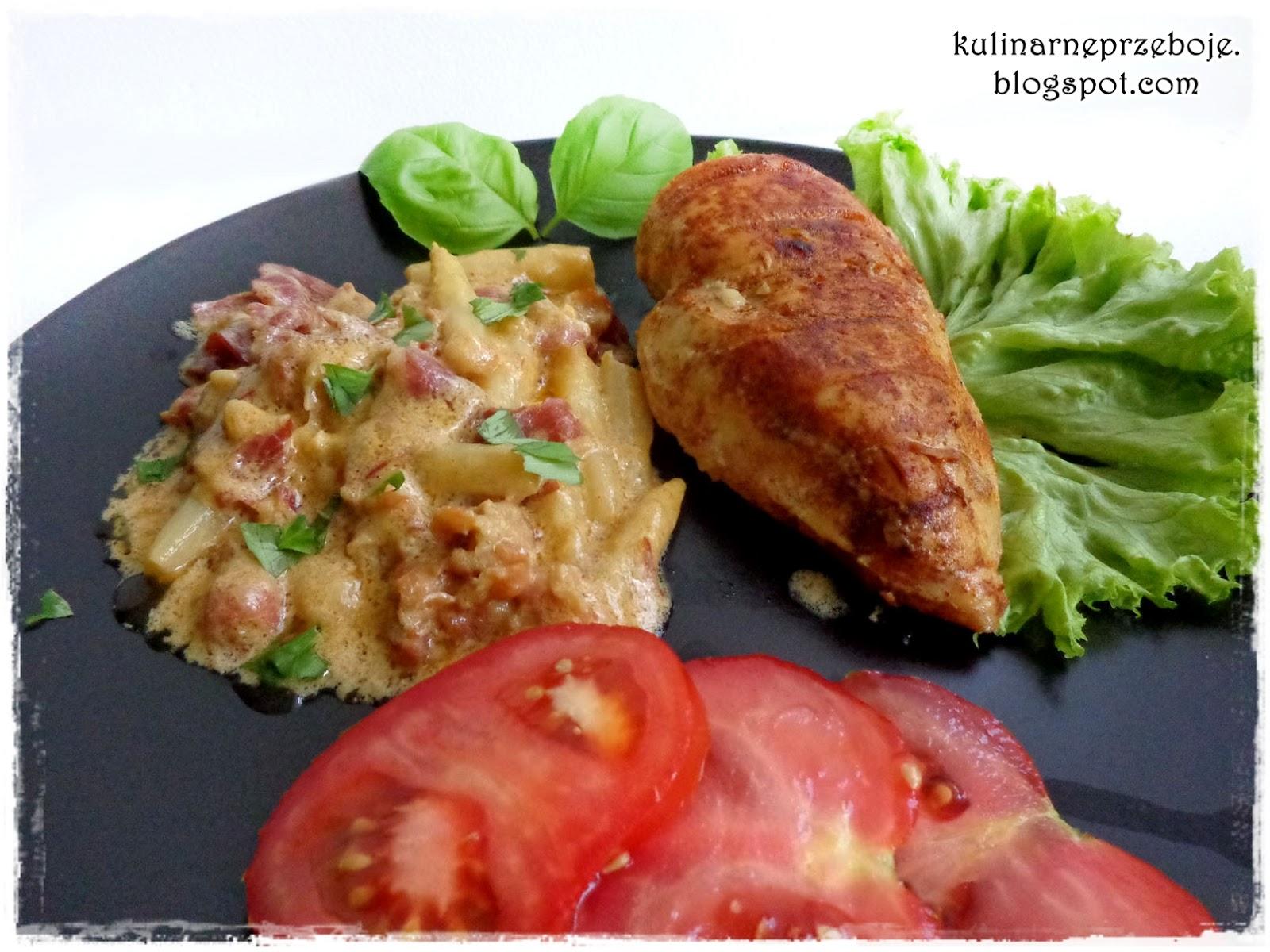 Piersi kurczaka w kremowym sosie z białymi szparagami
