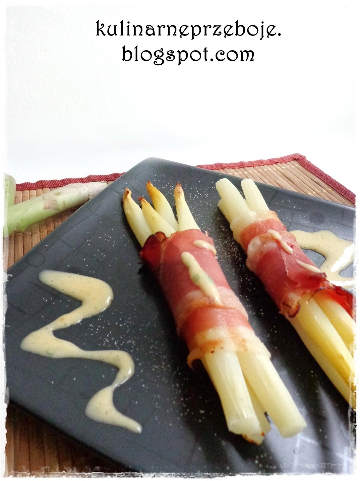 Szparagi z szynką szwarcwaldzką / parmeńską
