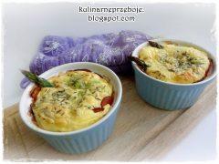 Szparagi z szynką i jajkami, zapiekane w kokilkach