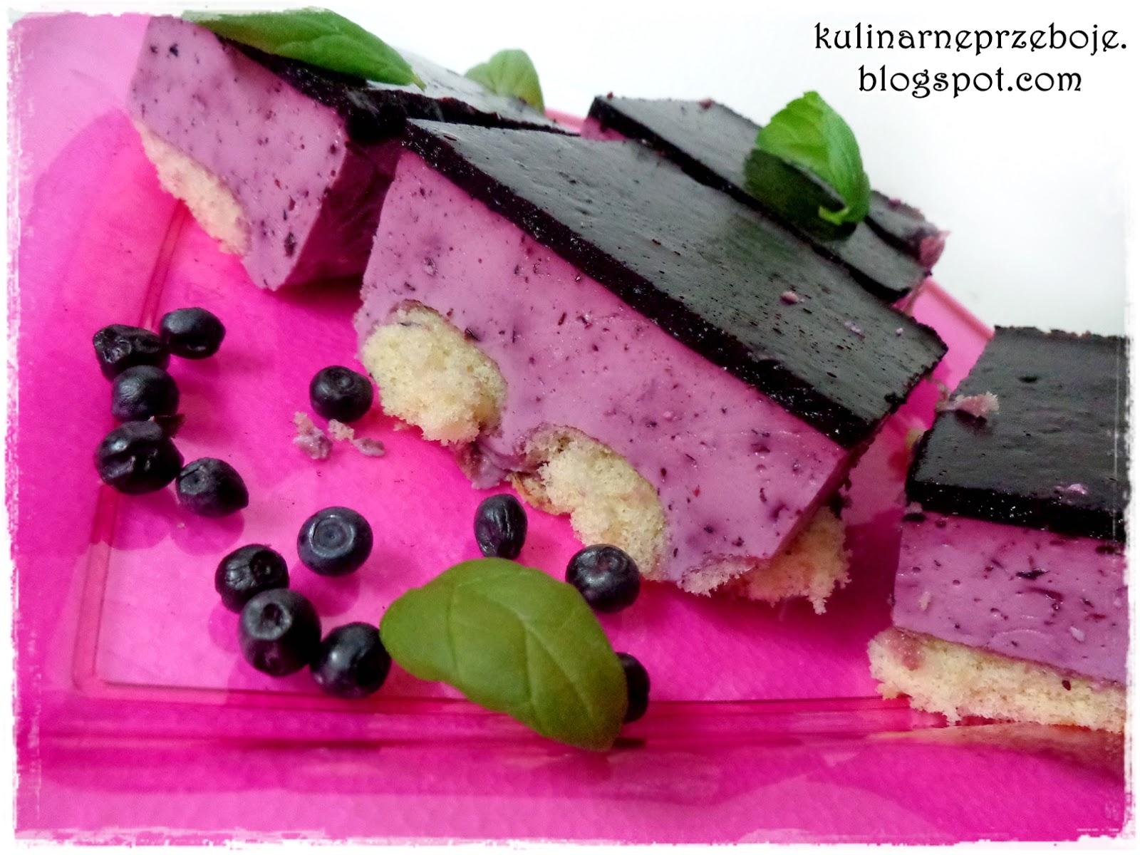 Jagodowa kostka (jogurtowiec jagodowy)