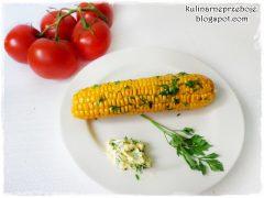 Kukurydza z masłem (gotowana lub z grilla)