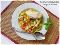Zupa warzywna z brokułem i kalafiorem