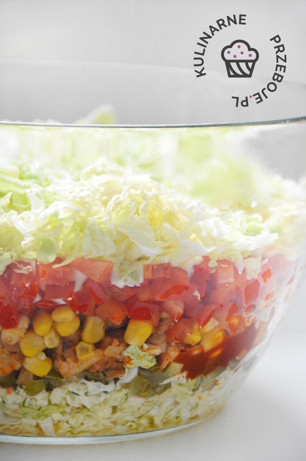 warstwowa salatka gyros