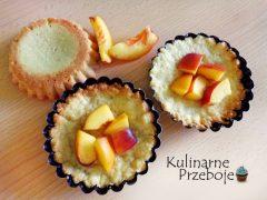 Tartaletki z galaretką i nektarynkami