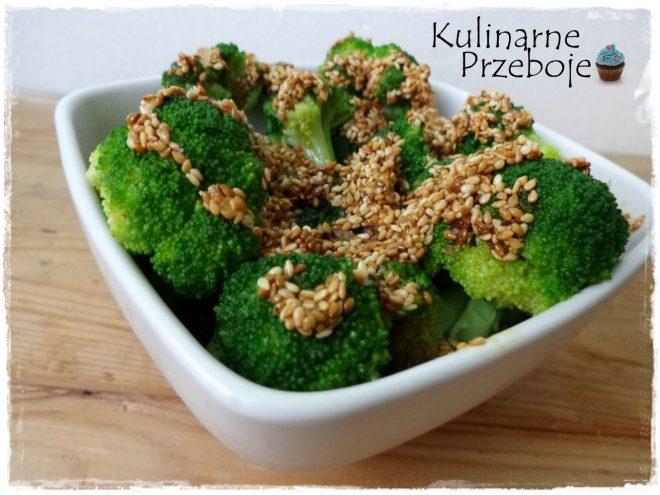 Brokuły z sezamem w sosie miodowym