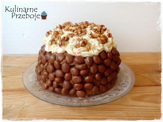 Torcik orzechowy z chrupkami w czekoladzie