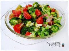 Szybka zapiekanka makaronowa z mozzarellą i świeżymi warzywami