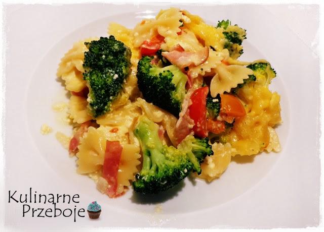 Zapiekanka makaronowa z warzywami i mozzarellą wg Pascala