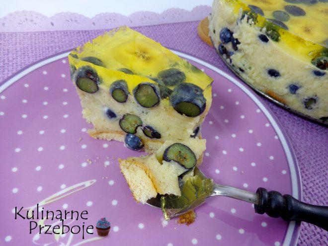 Sernik bananowo-cytrynowy z całymi borówkami na zimno