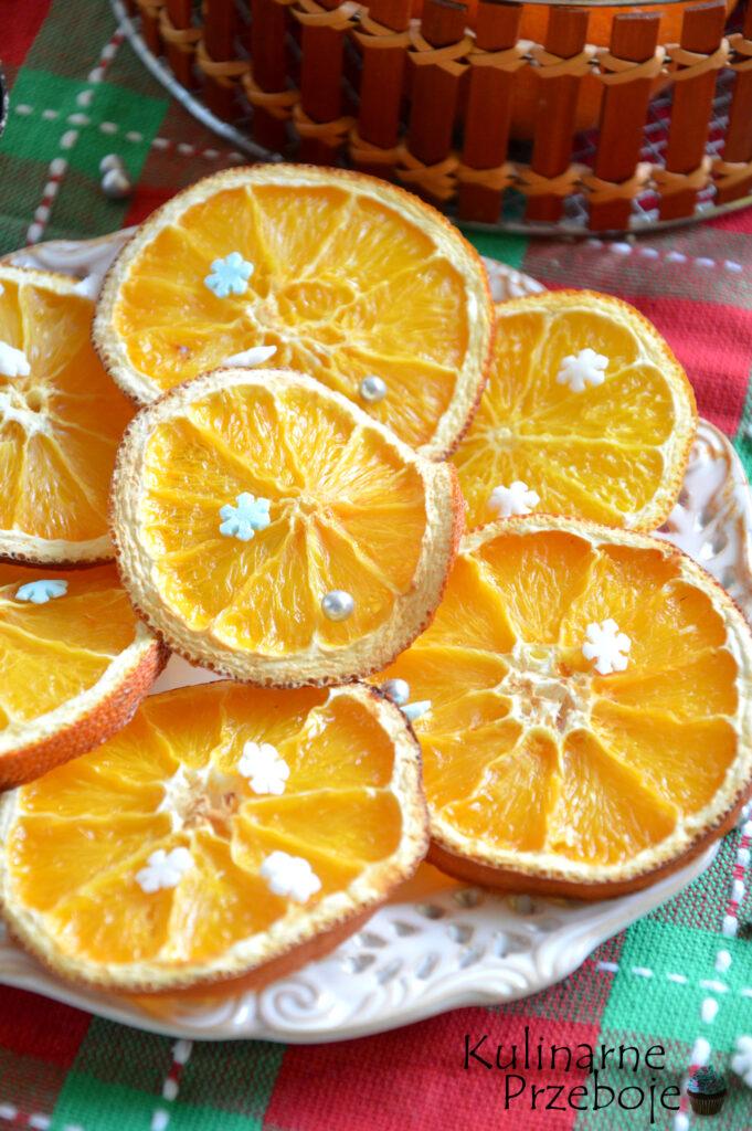 Suszone pomarańcze na choinkę i nie tylko