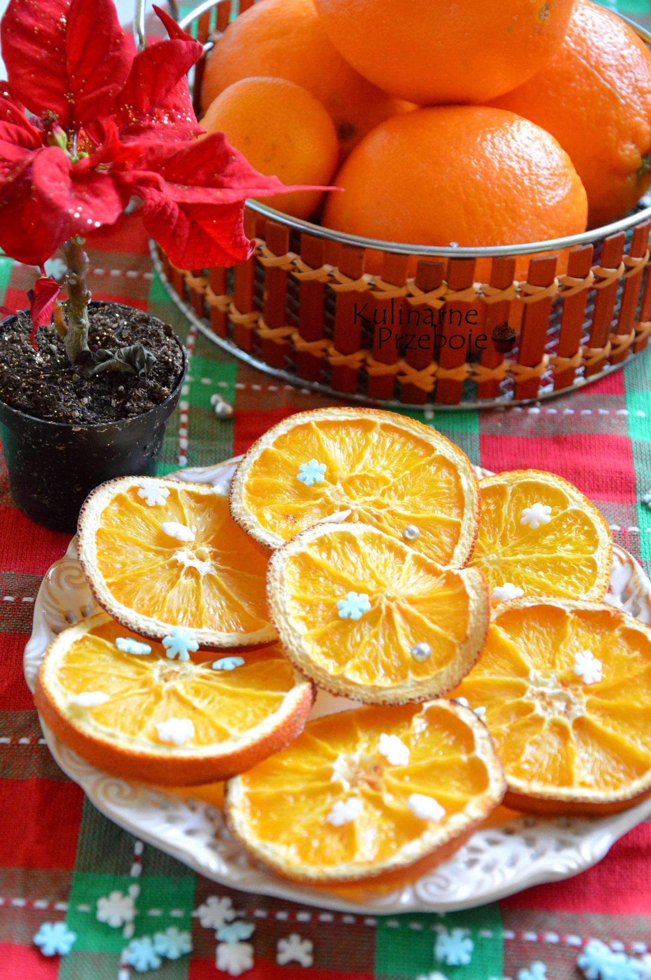 Suszone pomarańcze z cukrowymi gwiazdkami