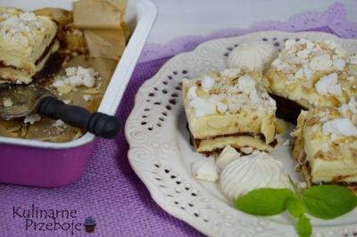 Przepyszne ciasto Pani Walewska, inaczej Pychotka. Bez pieczenia z bezą, maślanymi herbatnikami, migdałami oraz powidłami śliwkowymi.