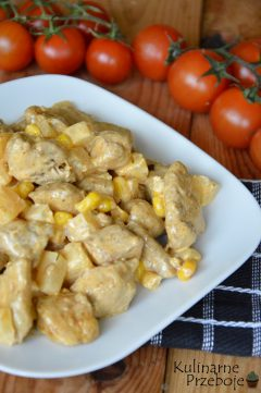 Szybka i prosta sałatka z ananasem i kurczakiem gyros