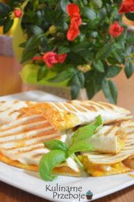 Hawajska tortilla z kurczakiem i ananasem