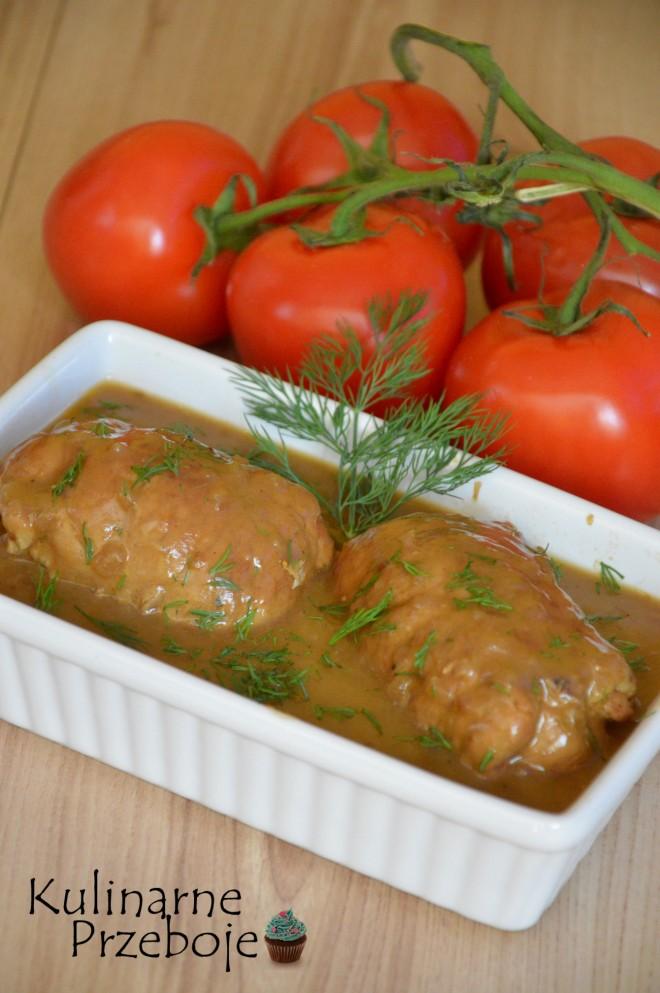 Dwa zrazy wieprzowe w sosie pieczeniowym