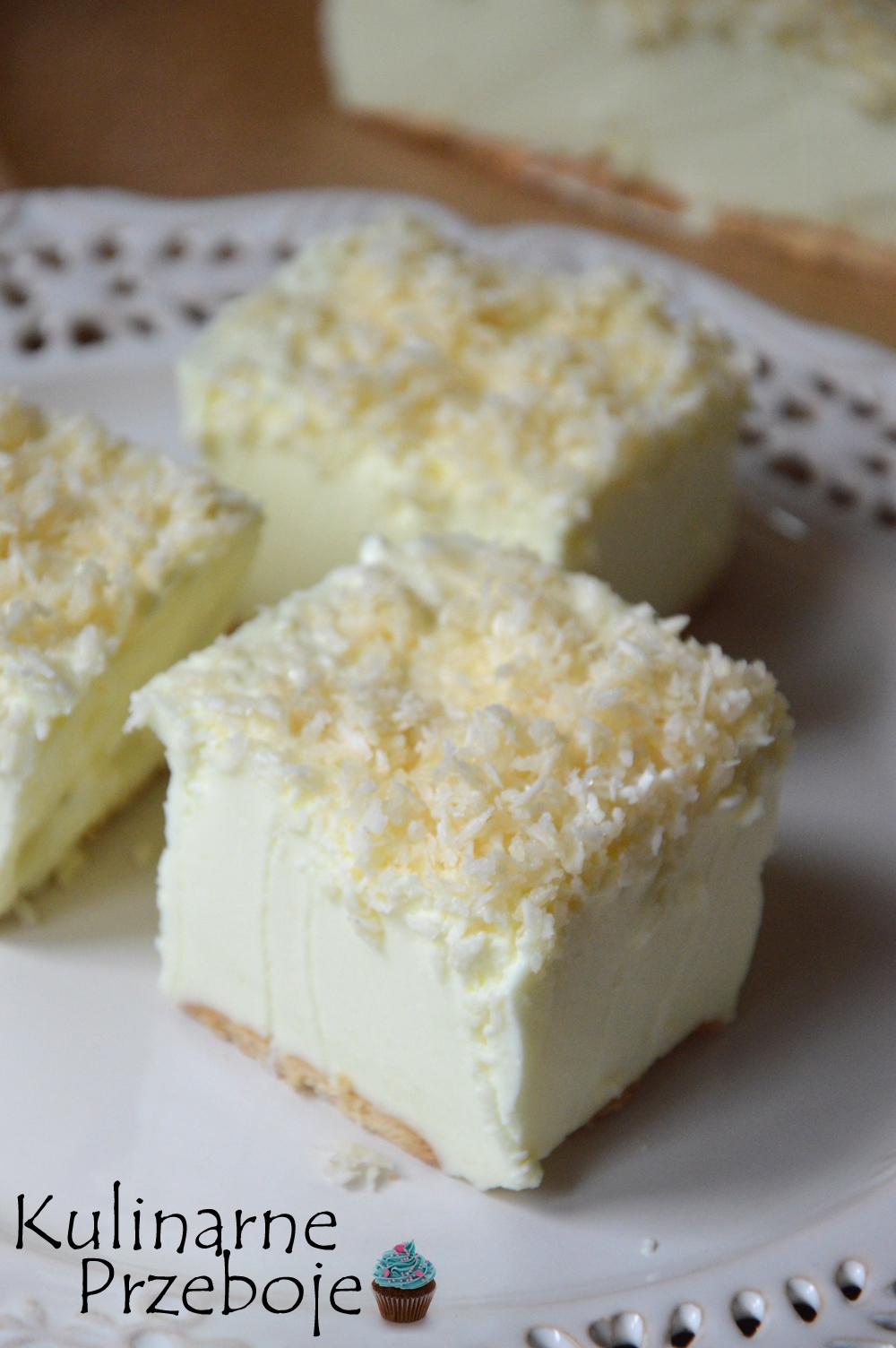 Kawałki ciasta Śnieżny puch bez pieczenia