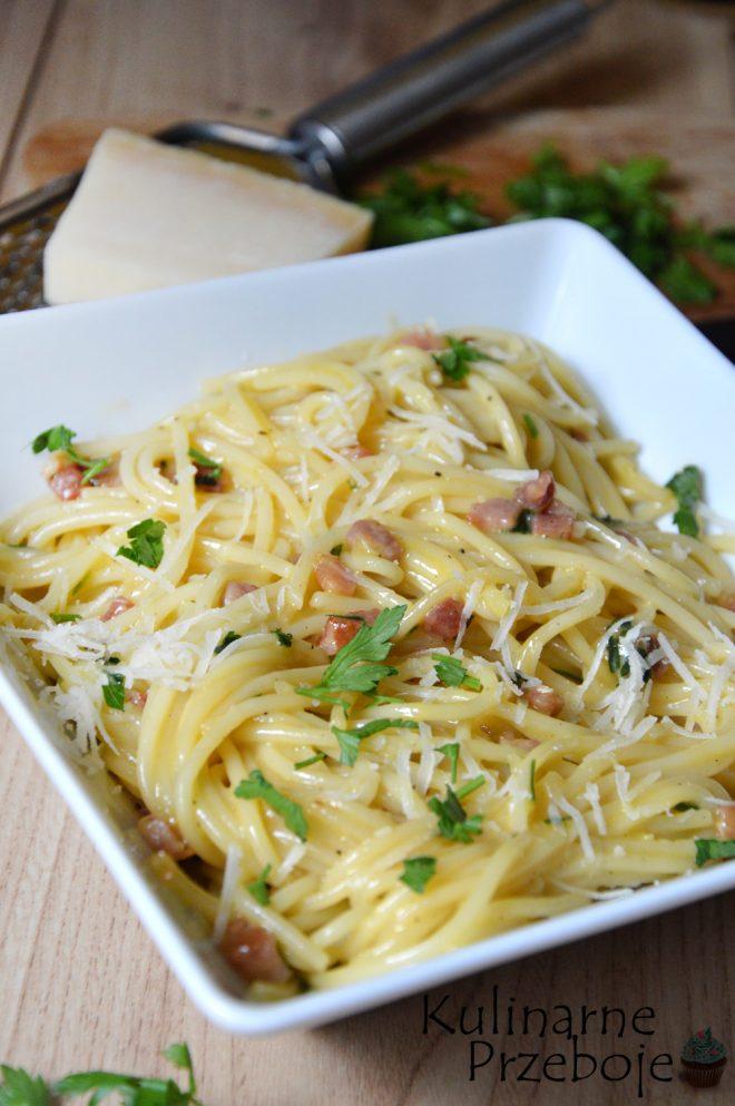 Makaronu spaghetti z boczkiem szybki i oryginalny przepis