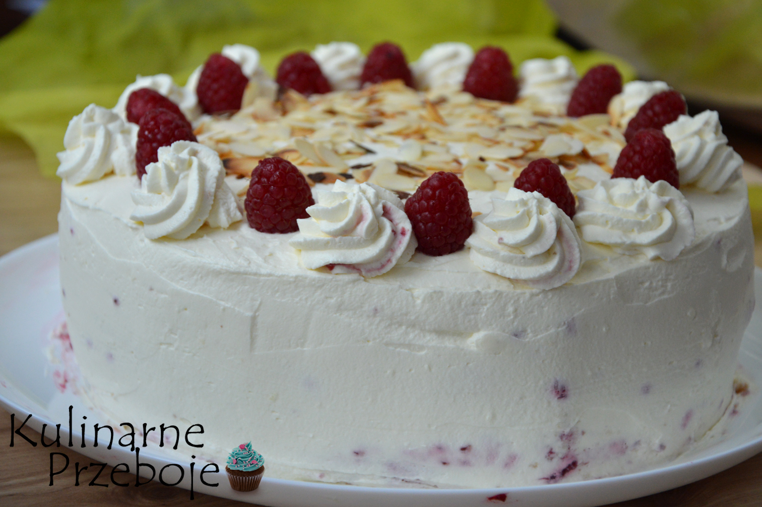 Bardzo śmietankowy tort malinowa rozkosz
