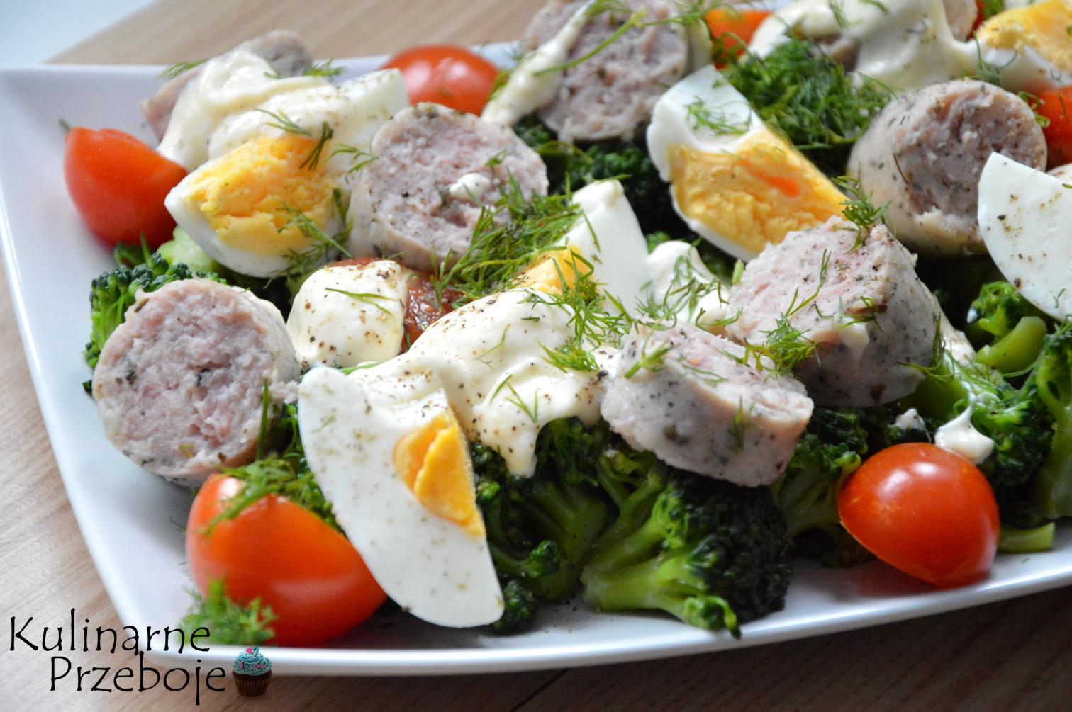 Sałatka z brokułem i białą kiełbasą