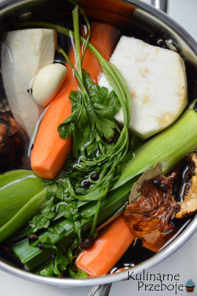 Idealny bulion warzywny ze świeżych warzyw
