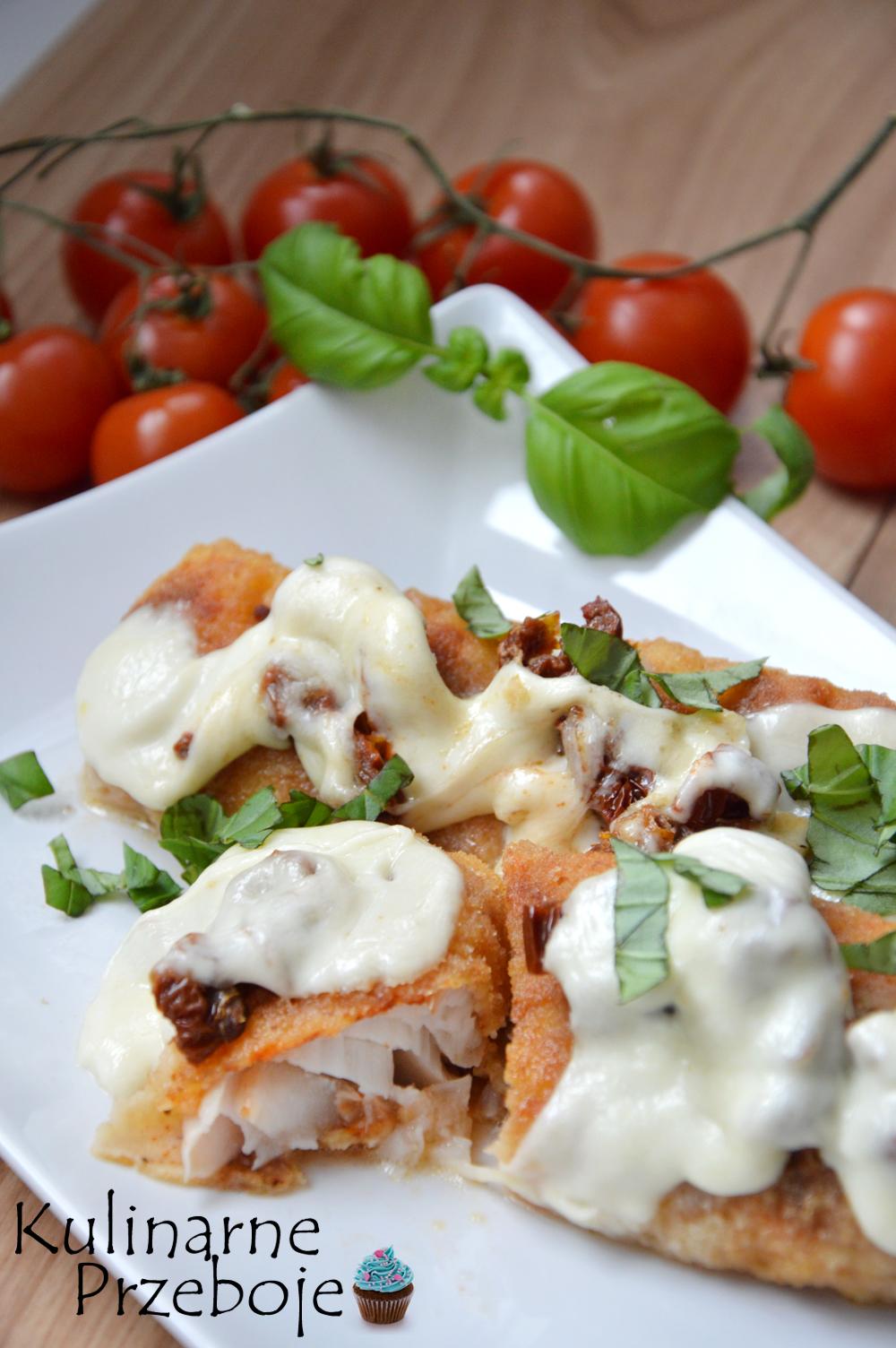 Dorsz panierowany z suszonymi pomidorami i mozzarellą