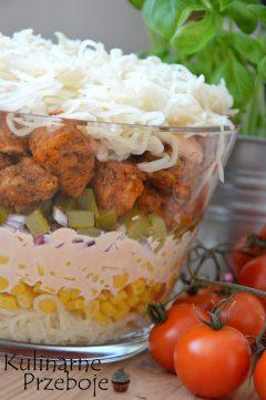 Warstwowy selerowy Gyros z kurczakiem i selerem konserwowym