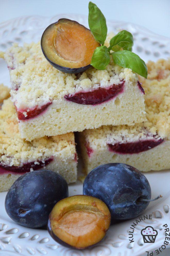 Szybkie ciasto ze śliwką i kruszonką