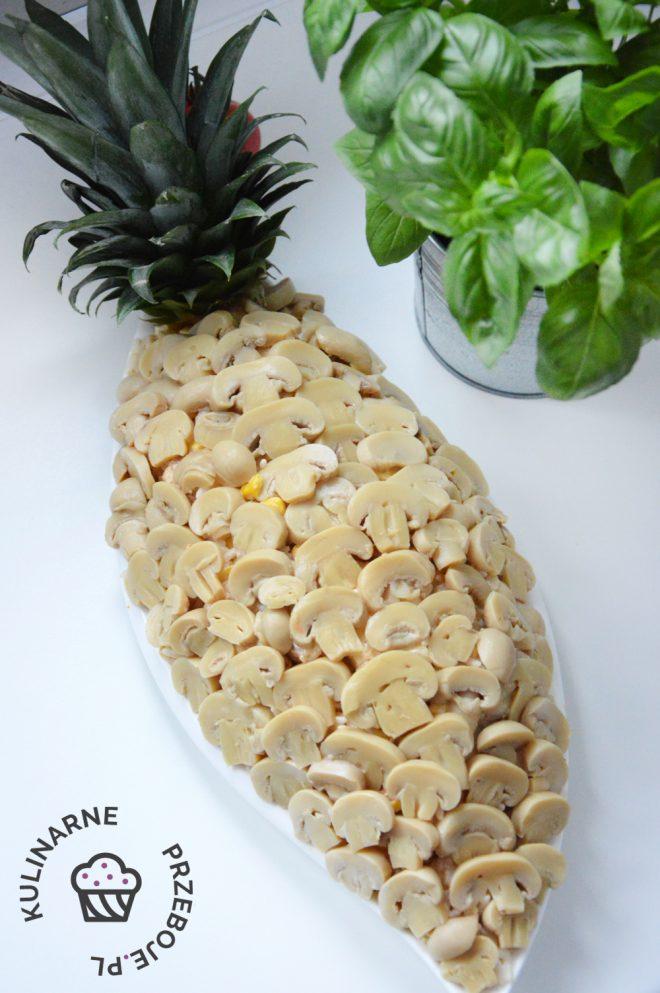 Sałatka Ananas z kurczakiem i kukurydzą