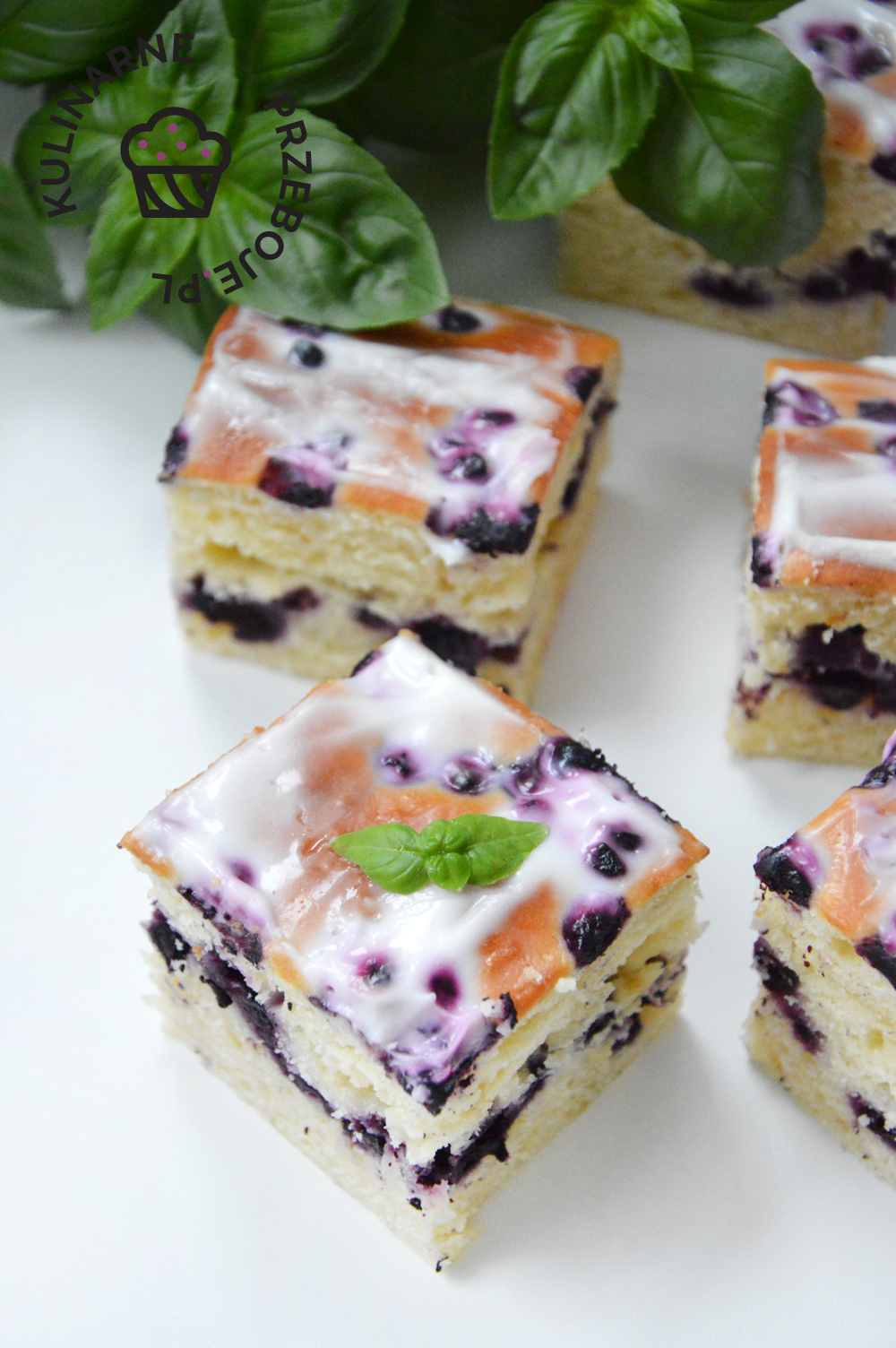 Ciasto jogurtowe z jagodami