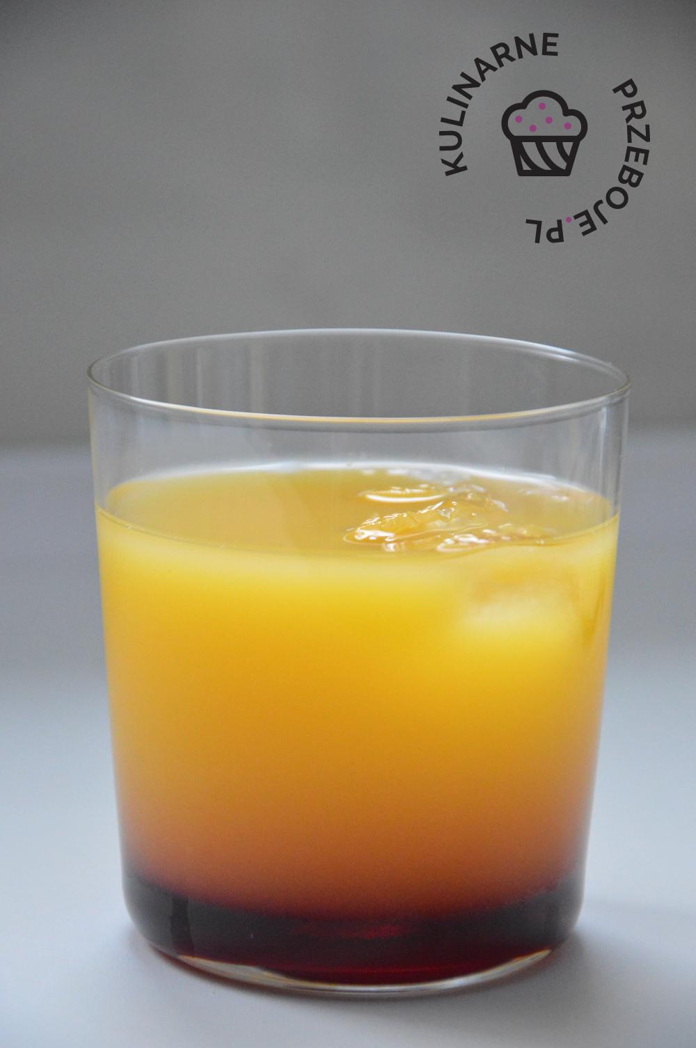 drink ala planters punch z sokiem pomarańczowym i grenadiną