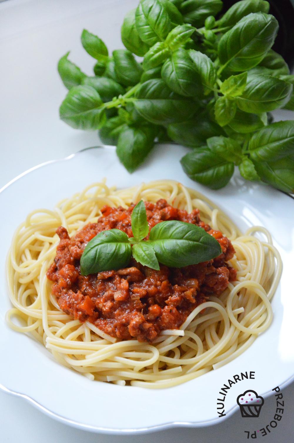 spaghetti bolognese z mięsem mielonym