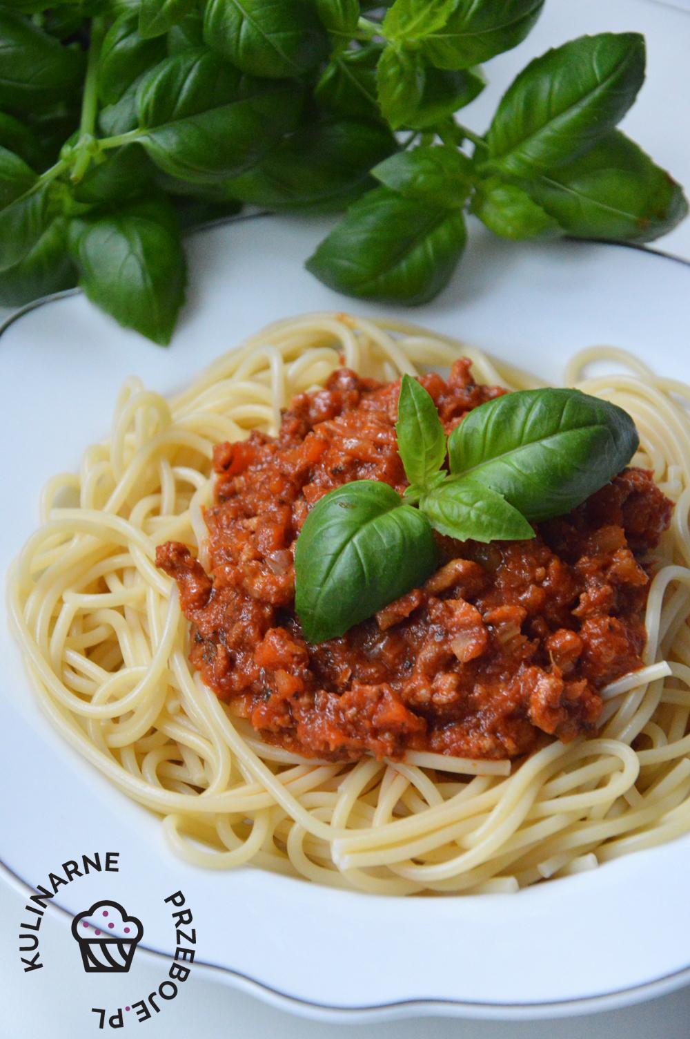 spaghetti po bolońsku