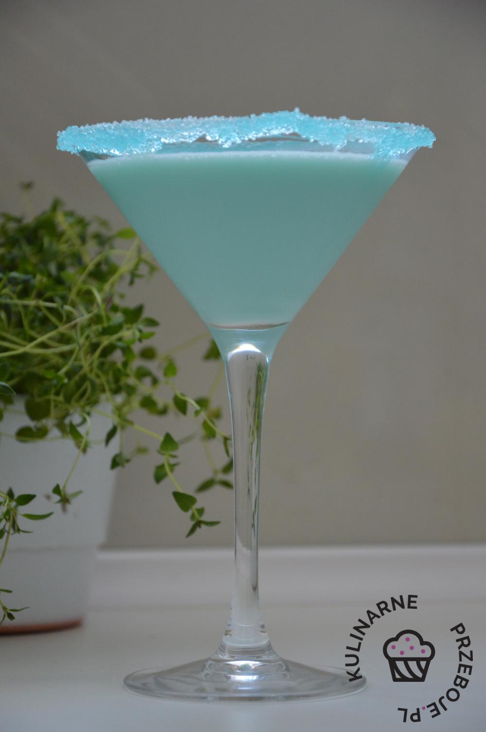 Drink Smerfne Malibu z Blue Curacao