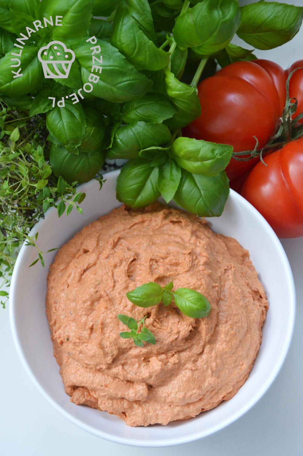 pasta z suszonych pomidorów i kurczaka