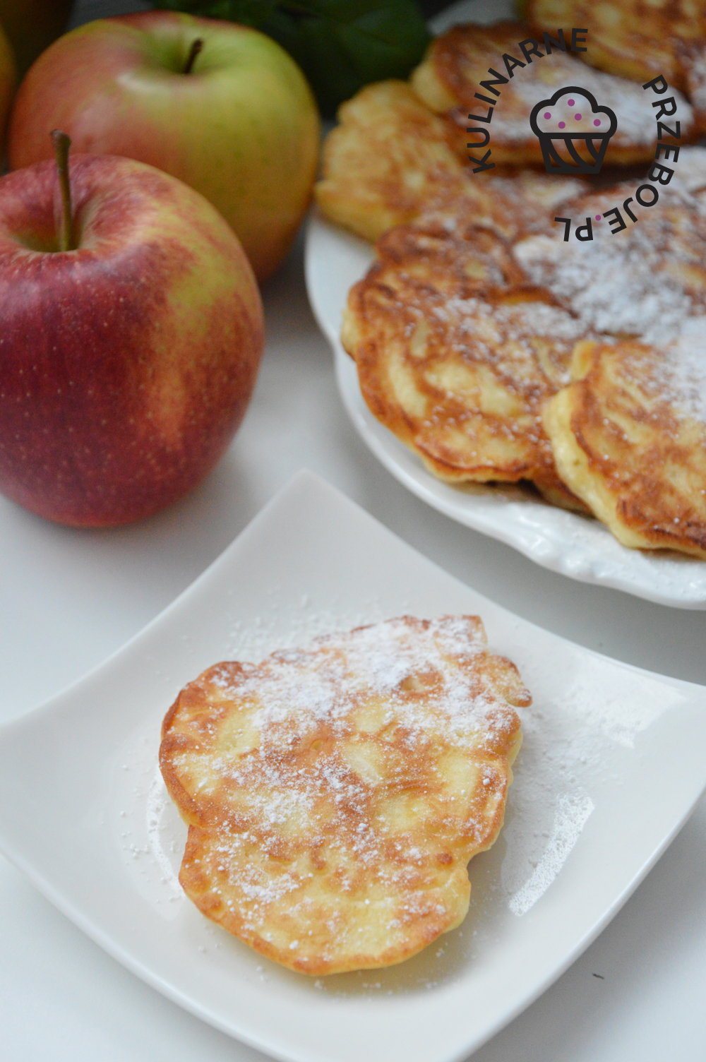 placki z twarogiem i jabłkami