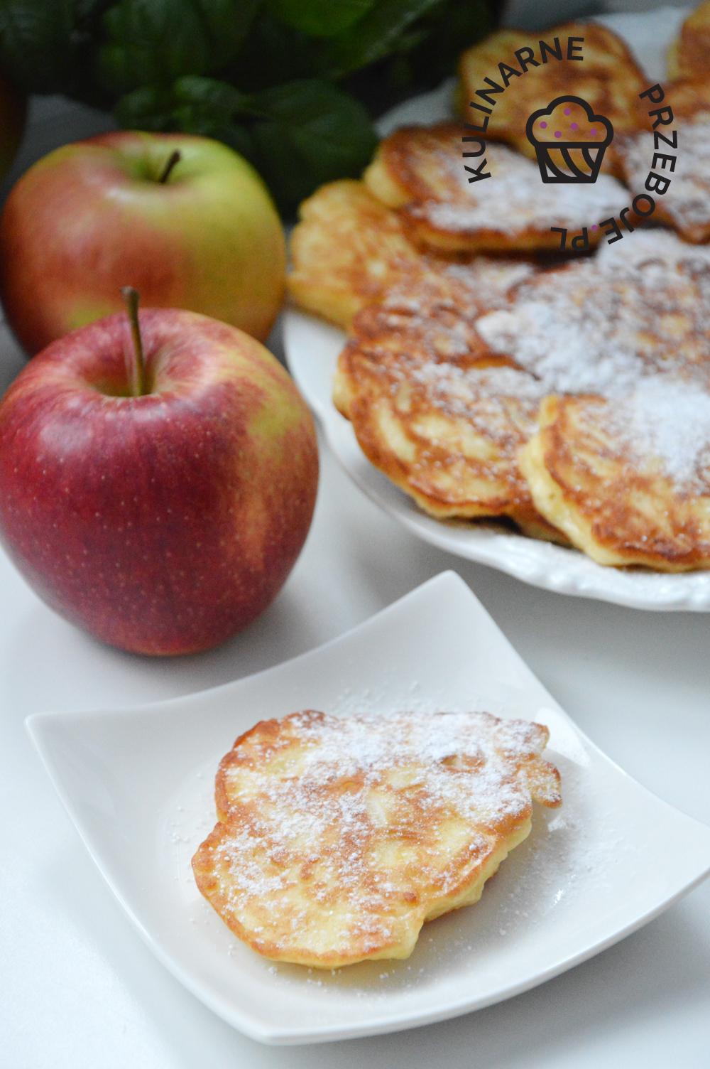 placuszki twarogowe z jabłkami