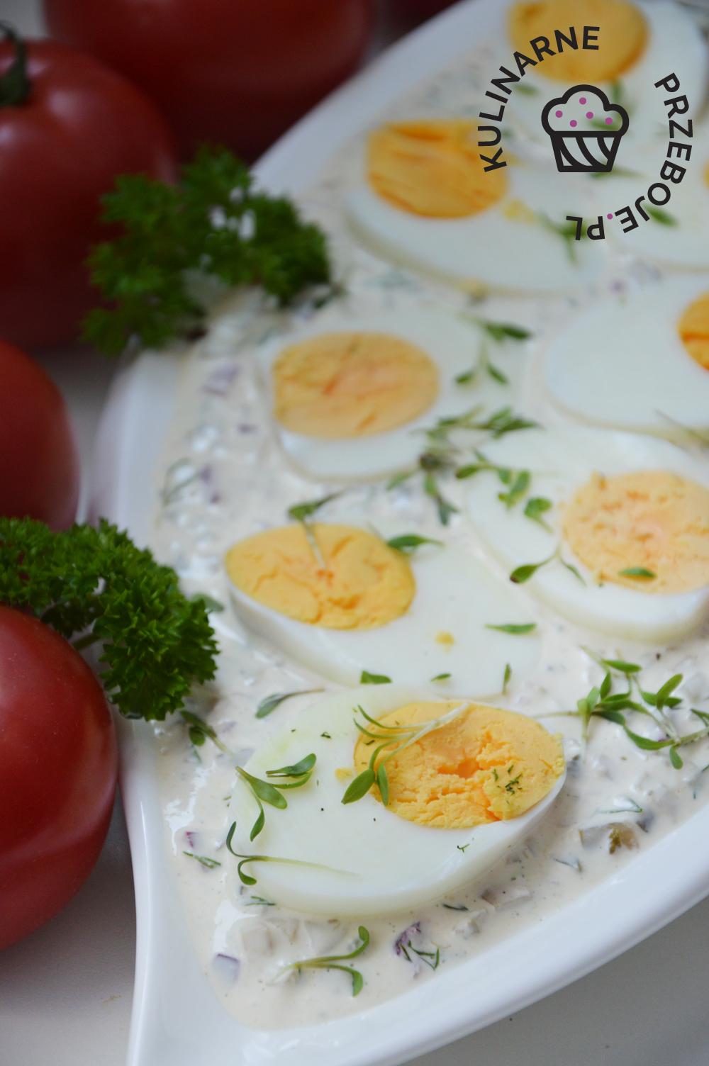 jajka na wielkanoc w sosie tatarskim