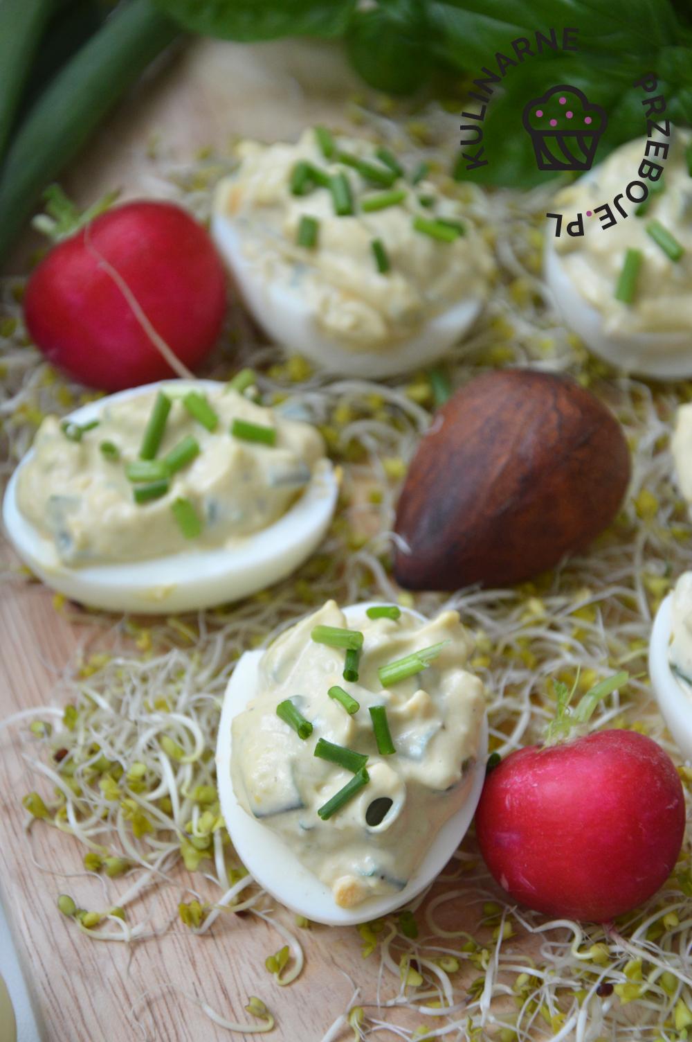 jajka z awokado na wielkanoc