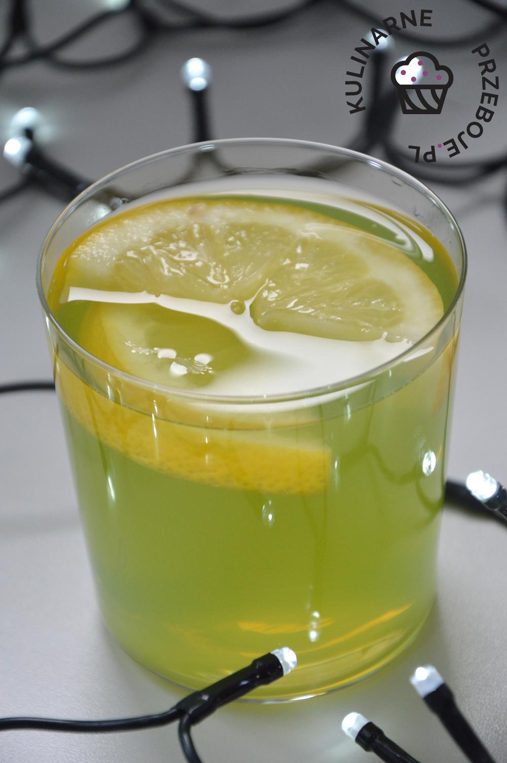 drink z sokiem z kaktusa i wódką