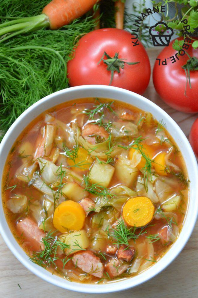 zupa kapuśniak z młodej kapusty