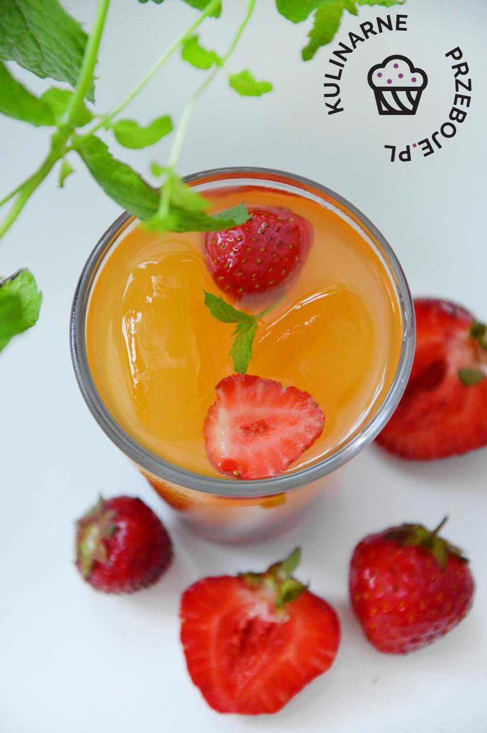 drink z truskawkami na babski wieczór