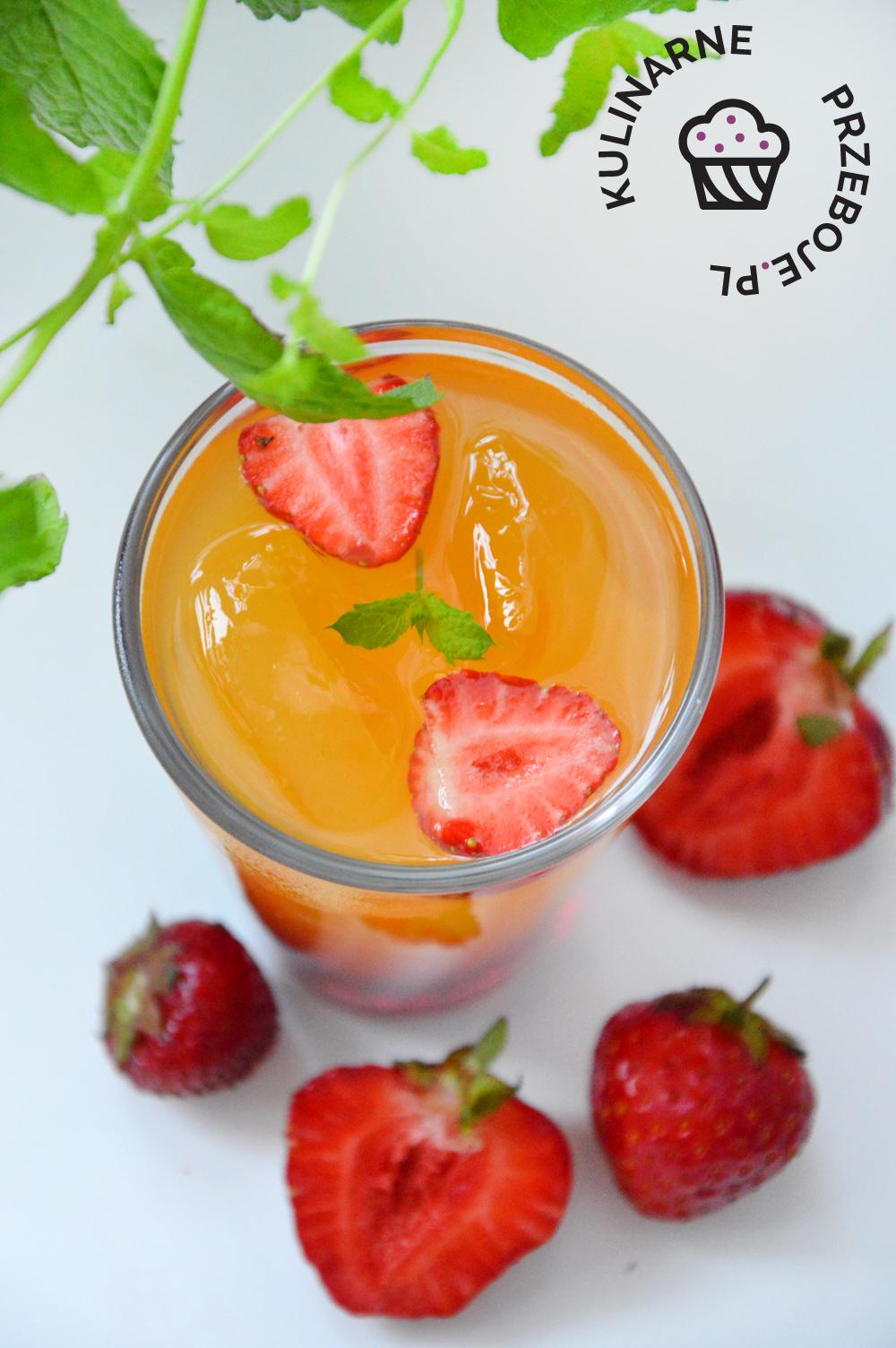 drink z truskawkami przepis