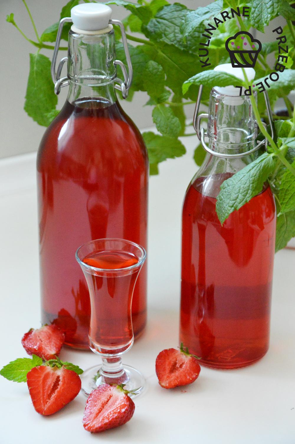 nalewka truskawkowa z wódka i spirytusem