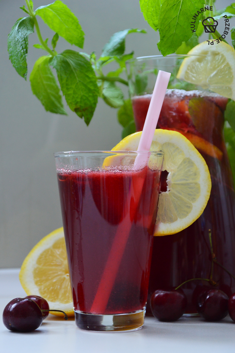 lemoniada z czereśni i cytryn